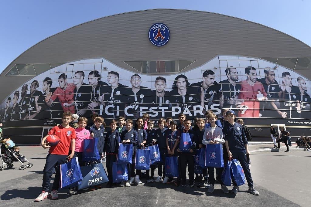 PSG Academy World Cup das viertägige Turnier findet in Paris statt.
